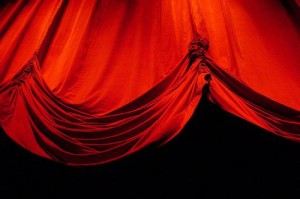 red-curtain