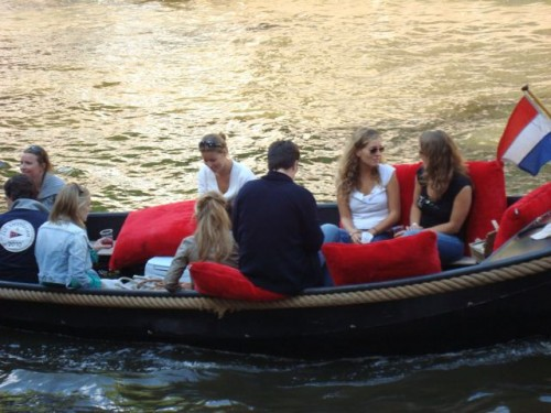 Boat Pringle Party