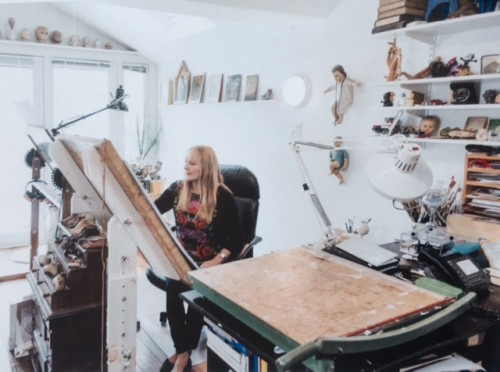Anita Kunz in her Toronto studio, Applied Arts Magazine